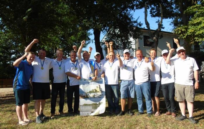 Il team campione mondiale di pesca al colpo Daiwa Dorking soggiorna Al Giuggiolo